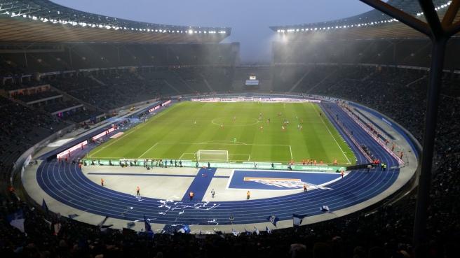 Olympiastadion Berlin mist