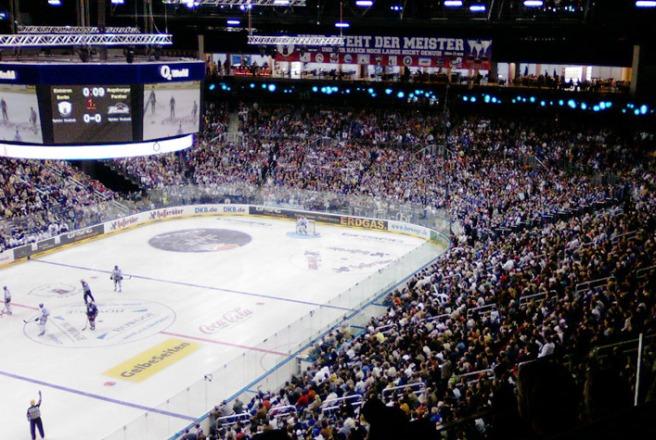 Berliner Eisbären hockey fans